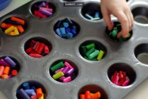 最近突然有一堆人在屯「用剩的蠟筆」,本來不懂用意的我看到它們變成「彩虹蠟筆」後也開始瘋狂搜集了!