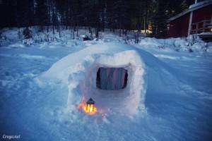 原來愛斯基摩人也不是好當的,在 Igloo 圓頂雪屋裡睡一宿