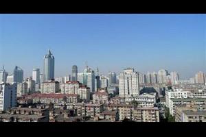 【影片】舊塑膠瓶製空調機可降溫5度 既環保又省電 | 台灣大紀元