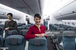 不說不知道!搭飛機 這10樣東西可免費向空姐要 |  台灣大紀元