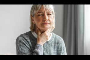 最可怕的「老人殺手」:吞嚥障礙!引發吸入性肺炎、住院、營養不良...11大徵兆快幫家中長者檢查-良醫劃重點-良醫健康網