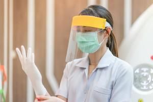 員工確診染疫算職災嗎?公司可以派員工到疫情熱區工作嗎?|職場熊報 Bear Times