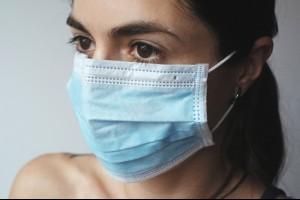 生活札記 » 長時間戴口罩口臭、臉鬆垮怎辦?