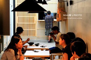 【台南.美食】東城麵家:誰說吃陽春麵不能很時尚!?當傳統小吃遇到了新創意,整個很有趣~