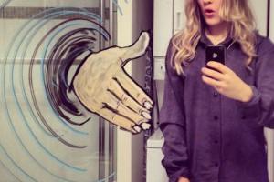 #意想不到的創意自拍玩法:來自挪威女孩的塗鴉幻想空間